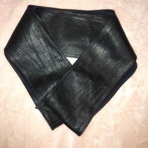 DKNY leather wrap around belt in black.